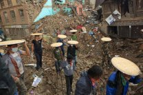 Nepal Earthquake by Laxmi Prasad Ngakhusi / UNDP Nepal. Flickr. (CC BY-NC-ND 2.0)
