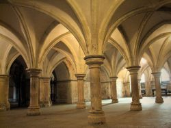 Crypt By Mattana (Own work) [Public domain], via Wikimedia Commons