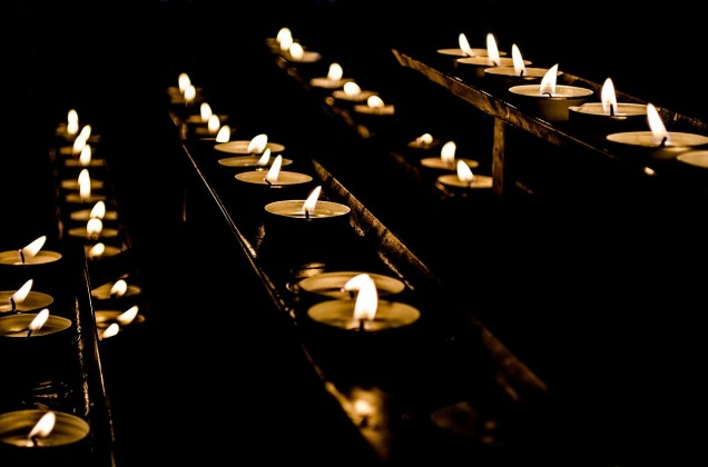 candles-219838_1280