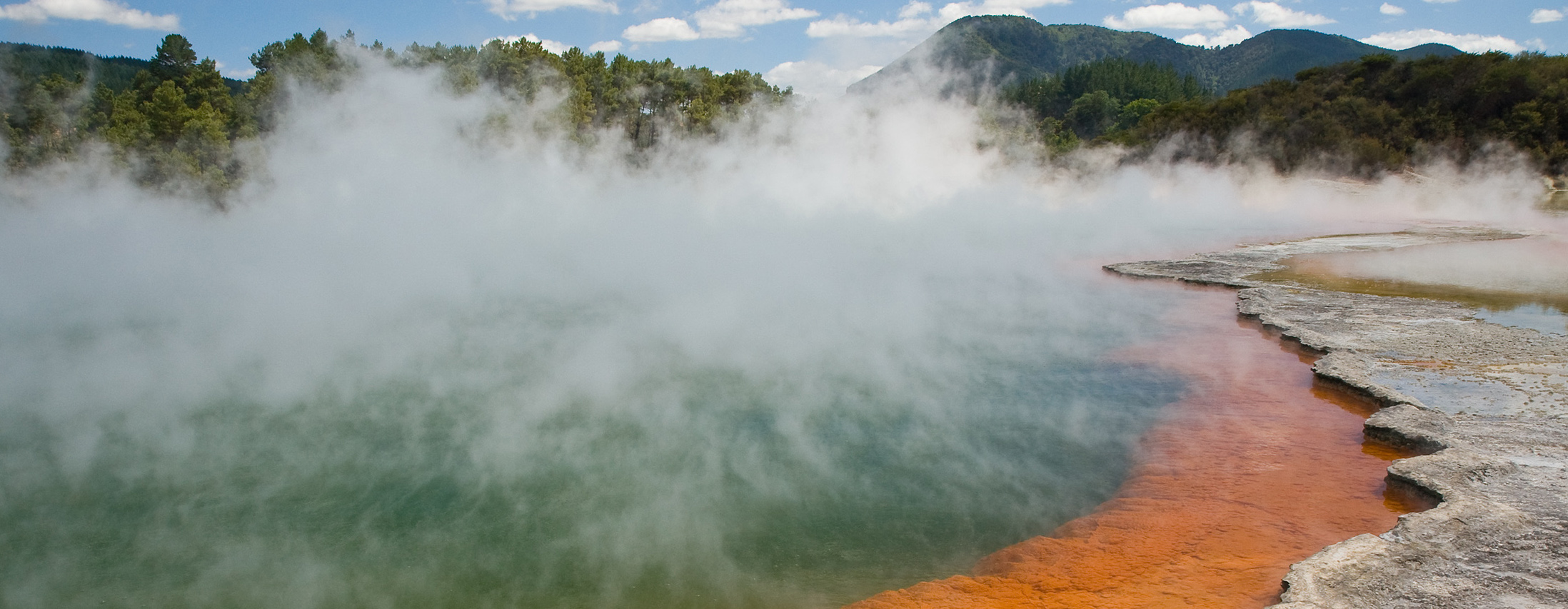 geothermal ChampagnePool-Wai-O-Tapu_rotated_MC Christian Mehlführer wikimedia ccc2.5 crop